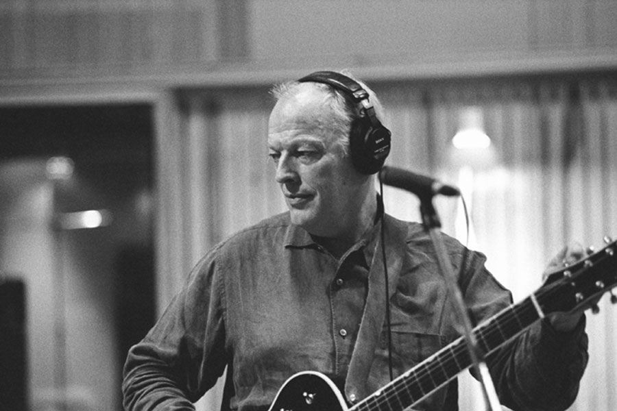 David Gilmour in the studio [click for larger]